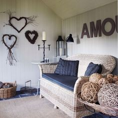 10 Ideas For Decorating A Summerhouse Interiors Gardens And