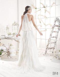 KEAS | Bohemian Wedding Dress | 2015 Cala Collection | by Sara Villaverde | Villais (back)