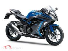 2015 Kawasaki Ninja 300 ABS Special Edition - beautiful colour, still doesn't beat the classic green though