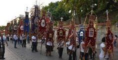 Estandartes, símbolo de respeto y devoción en Oaxaca