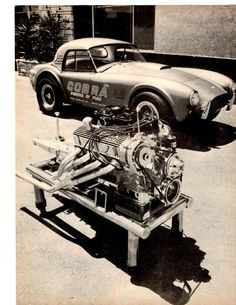 Shelby Cobra and engine Ford L ? 427 Cobra, Mustang Cobra, Ford Classic Cars, Best Classic Cars, Muscle Cars, Carros Lamborghini, Diesel, Carroll Shelby, Vintage Race Car