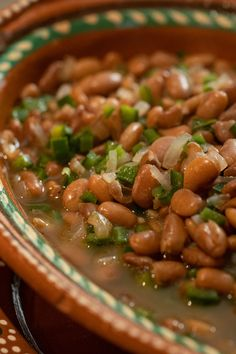 Pinto beans simmered with poblanos, onions, and oregano are the quickest, easiest and tastiest side dish for weeknight meals. The smell of beans simmering on the stove is one of my Mexican Dishes, Mexican Food Recipes, Vegetarian Recipes, Cooking Recipes, Mexican Beans Recipe, Chili Recipes, Mexican Pinto Beans, Vegetarian Sandwiches, Beans Recipes