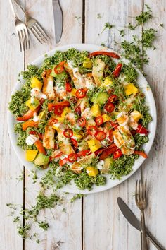 A deliciously fresh halloumi and quinoa salad with all the colours of the rainbow! Herby and zesty, topped with avocado, mango and Halloumi cheese, this salad has everything! Thanks to Lauren Caris Cooks Healthy Salad Recipes, Veggie Recipes, Healthy Snacks, Vegetarian Recipes, Healthy Eating, Cooking Recipes, Superfood Salad, Quinoa Salad, Soul Food