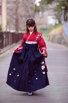 🌻 天瀬音羽 🌻 Japanese Outfits, Japanese Fashion, Asian Fashion, Girl Fashion, Kimono Japan, Japanese Kimono, Korean Traditional Dress, Traditional Dresses, Yukata