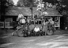 The Birger Gang, southern Illinois bootleggers, pose with guns. Charles Birger is at center, on top of the car, c. 1924.    Want a copy of this photo?> Visit our Rights and Reproductions Departmentand give them this number: iChi-08642.  Want to buy a book?> Purchase Historic Photos of Chicago Crime: The Capone Era