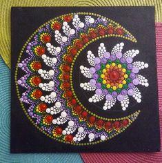 No photo description available. Dot Art Painting, Rock Painting Designs, Mandala Painting, Pebble Painting, Stone Painting, Mandala Pattern, Mandala Design, Mandela Art, Mandala Canvas