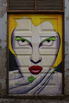 Love this style!  Painted doors: Blowing a kiss by ~Eldhimmel