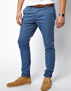 Pretty trim fit on these skinny chinos from ASOS, but the color's a great heightened blue fit for spring & summer! Mode Outfits, Casual Outfits, Fashion Outfits, Smart Casual Menswear, Men Casual, Casual Winter, Chinos Men Outfit, Mode Man, Blue Chinos
