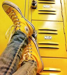 Which Greaser would walk or drive you to school? Yellow Aesthetic Pastel, Rainbow Aesthetic, Aesthetic Colors, Pastel Yellow, Aesthetic Images, Shades Of Yellow, Mellow Yellow, Neon Yellow, Green And Orange