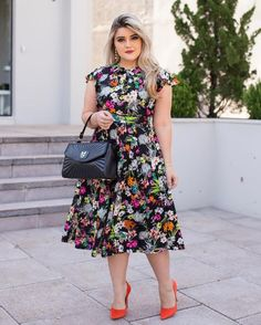 43 lovely floral skirt dresses outfits ideas for spring 2019 Skirt Outfits, Dress Skirt, Dress Up, Casual Chic Style, Fashion Over, Plus Size Dresses, Plus Size Fashion, Ideias Fashion, Fashion Dresses