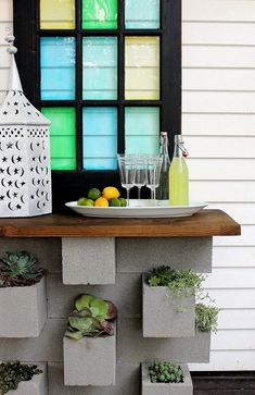 LOVE the window ---- inspiration files--cinder block vertical planter and outdoor bar combo from hunted interior Diy Outdoor Bar, Outdoor Living, Outdoor Buffet, Outdoor Spaces, Outdoor Kitchens, Outdoor Ideas, Outdoor Decor, Cinderblock Planter, Diy Außenbar