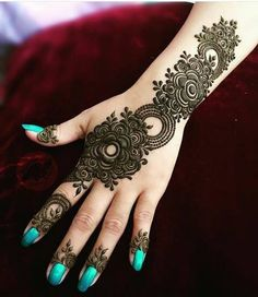 Mehndi is used to draw beautiful patterns on the hands. Mehndi is a temporary decoration of hands and feet of women and girls that have been a ritual for many decades. Henna Hand Designs, Mehandi Designs, Mehandi Design For Hand, Simple Arabic Mehndi Designs, Mehndi Design Images, Latest Mehndi Designs, Bridal Mehndi Designs, Henna Tattoo Designs, Unique Henna