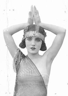 Pauline Starke in Assiut drape c. 1920's