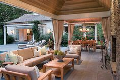 outdoor area perfect for entertaining