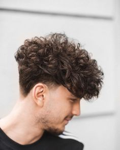 Men Haircut Curly Hair, Curly Hairstyles For Boys, Long Curly Haircuts, Formal Hairstyles For Long Hair, Curly Hair Cuts, Hairstyles Haircuts, Haircuts For Men, Curly Hair Styles, Hairstyle Short