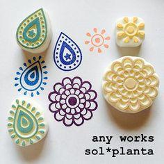 昨日の続き! これを使って、ポストカード作りますっ! #消しゴムはんこ #はんこ #eraserstamp #ペイズリー #solplanta #お花はんこ