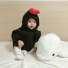 baby ulzzang Baby:( - New Ideas Cute Funny Babies, Cute Asian Babies, Korean Babies, Cute Little Baby, Lil Baby, Little Babies, My Baby Girl, Mom And Baby, The Babys