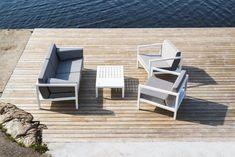 Sundays design - hagemøbler Outdoor Chairs, Outdoor Furniture Sets, Outdoor Decor, Sun Lounger, Home Decor, Check, Wall, Velvet, Chaise Longue