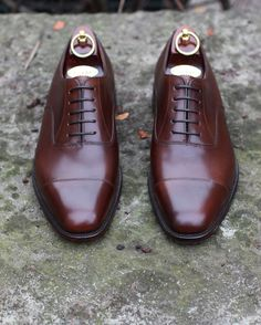 "433 Likes, 3 Comments - Loake Sverige (@loakesverige) on Instagram: ""All classic Aldwych i Dark Brown Burnished Calf. Läst: Capital/F #loake #loake1880exportgrade…"""