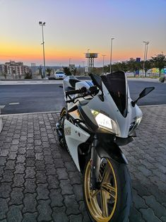 #yamaha #yzf #r125 #bike #sportbike #yzfr125 #sunset #6:30Am