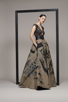Wedding dress shop in Dubai & Lebanon for bridal gowns & evening dresses. Collections from the top wedding dress designers & bridal couture. Luxury Wedding Dress, Elegant Wedding Dress, Designer Wedding Dresses, Dress Body Type, Chic Outfits, Fashion Outfits, Haute Couture Gowns, Sophisticated Outfits, Wedding Dress Boutiques