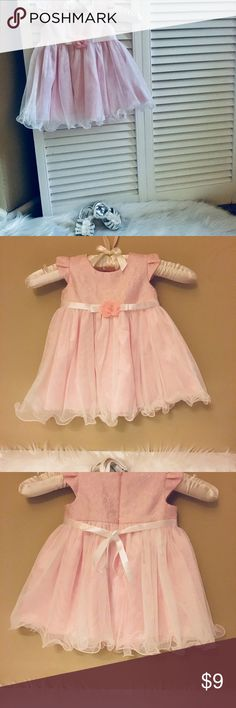 💝 Bonnie Baby Chiffon Ruffle Dress Outfit 3-6mo. 🔅 light pink dress with zipper back, lace shoulder detail with white ribbon belt  🔅SIZE 3-6mo.   🔅Never Used, perfect condition  🔅Shoes are size 2 healthtex (fit my 4mo old)        INCLUDED Bonnie Baby Dresses Formal