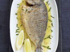 Découvrez la recette Daurade meunière sur cuisineactuelle.fr.
