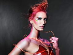 Covergirl Hunger Games looks maquillaje DISTRITO 5: ENERGÍA