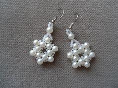 snowflake earrings Pearl Earrings, Drop Earrings, Beading Projects, Snowflakes, Pearls, Jewelry, Fashion, Moda, Pearl Studs