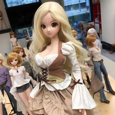 """This Melody #smartdoll Beer Girl set (only one) available at Anime NYC next weekend. 630 USD. メロディーちゃんニューヨークで先行販売します。"""