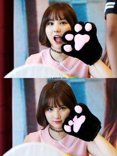 Pessoa mais fofinha mesmo sem querer : Eunha ♡