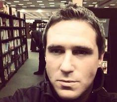 """""""Teórico da Conspiração"""" Max Spiers é encontrado Morto Dias Após mandar Mensagem para Sua Mãe investigar se Algo """"acontecer com ele"""""""