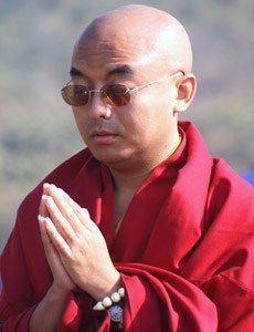 Training The Mind With Mingyur Rinpoche :http://www.kimroberts.co/blog/meditation/training-the-mind-mingyur-rinpoche/