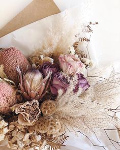 Dried Flowers Are Perfect In A Wedding Bouquet So Delicate And Pretty : Fleuralice Deco Floral, Arte Floral, Floral Design, Dried Flower Bouquet, Dried Flowers, Autumn Flowers, Flower Installation, Dried Flower Arrangements, Wedding Arrangements