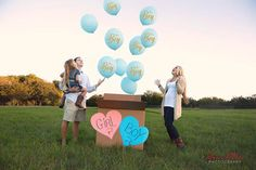 Having a hard time finding a baby gender reveal ideas that suits you and your significant other? This inspiration should help when announcing whether it's a boy or girl. Gender Reveal Pictures, Gender Reveal Box, Gender Reveal With Sibling, Gender Party, Baby Gender Reveal Party, Maternity Pictures, Pregnancy Photos, Gender Reveal Photography, Gender Announcements