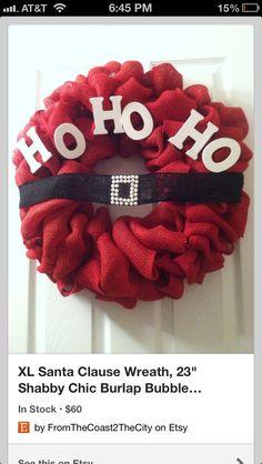 Christmas Wreath. I love this! I wonder where I get red burlap. Hm....