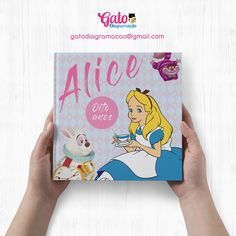 Capa para álbum Infantil - Tema : Alice no País das Maravilhas