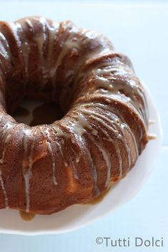 Peach Bundt Cake with Brown Sugar Glaze - a summery peach cake topped with an irresistible glaze!