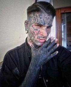 Master of Brutality: The Transformative Tattoos of Valerio Cancellier Master of Brutality: The Transformative Tattoos of Valerio CancellierIl viaggio come tatuatore è iniziato 20 anni fa.I suoi primi strumenti Skull Finger Tattoos, Boy Tattoos, Head Tattoos, Badass Tattoos, Body Art Tattoos, Tattoos For Guys, Portrait Tattoos, Tatoos, Kopf Tattoo