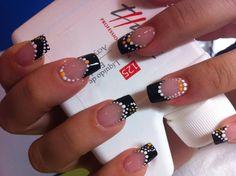 Fantástica decoración de uñas de Duta Cristina desde Rumanía.