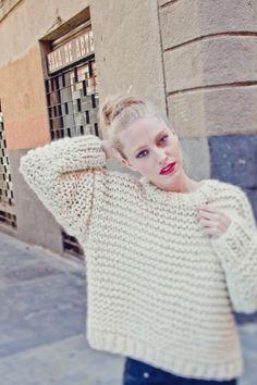 NOLITA SWEATER  #Strickset um sich dieses schöne Modell selber zu stricken. Das Modell enthält alles, was man zum stricken braucht: #Schafwolle, Stricknadeln, #Strickanleitung, Stopfnadel und WAK Etikett. www.weareknitters...