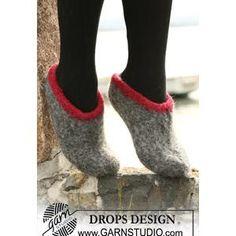 Ladies' Felted Slipper Knitting Pattern in DROPS