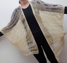 Excited to share the latest addition to my #etsy shop: Beije Kimono #vestuario #mulheres #casaco #beige #white #byduli #handmade #knit #knitwear #shrug #knitting #fashion #wool #womanfashion #clothes #couture #coat #cardigan http://etsy.me/2F9NL0q