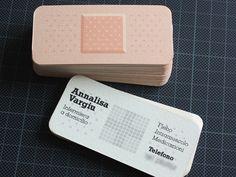 Esto es una tarjeta de visita. A curious visiting card.  La criatura creativa | Blog de creatividad publicitaria, diseño y mucho más…