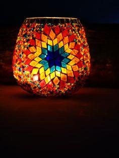 Mosaic Bottles, Mosaic Vase, Glass Bottle Crafts, Bottle Art, Large Candle Holders, Candlestick Holders, Glass Painting Designs, Mosaic Rocks, Hanging Lamp Shade