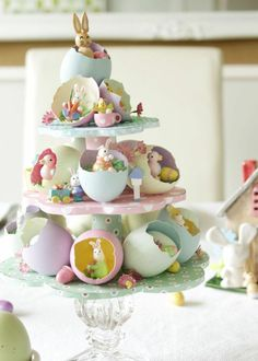 You do not necessarily have to have a real tree for making your Easter special. Use these easy Easter tree decoration ideas to add an extra special touch to your decor. Ostern Party, Diy Ostern, Hoppy Easter, Easter Eggs, Easter Funny, Diy Osterschmuck, Diy Crafts, Beach Crafts, Egg Tree