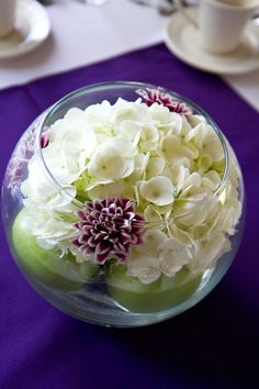 Centrepiece with apples and white hydrangeas.. except I want red apples too.