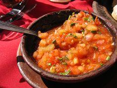 Pebre, salsa típica chilena que acompaña asados a la parrilla y otros platos típicos.
