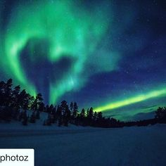 Heart or mitten shaped aurora. Definitely once in a lifetime shot