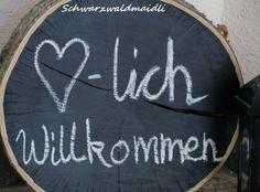Schwarzwaldmaidli: DIY Tafellack auf Baumscheibe